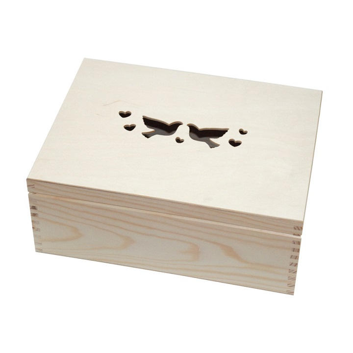 Drevená krabička s motívom holúbkov